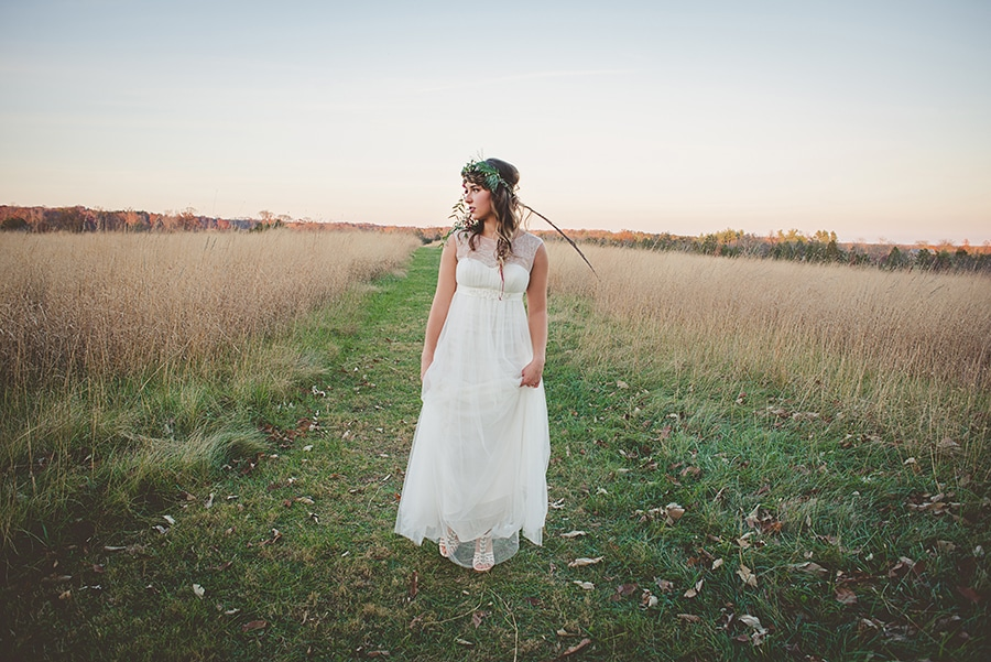 modern organic bohemian wedding bridal pictures (15)