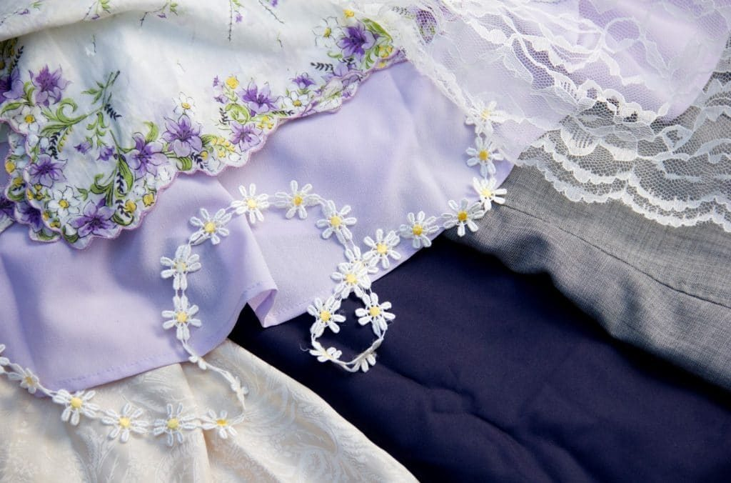 lavendar lace wedding inspiration details (3)