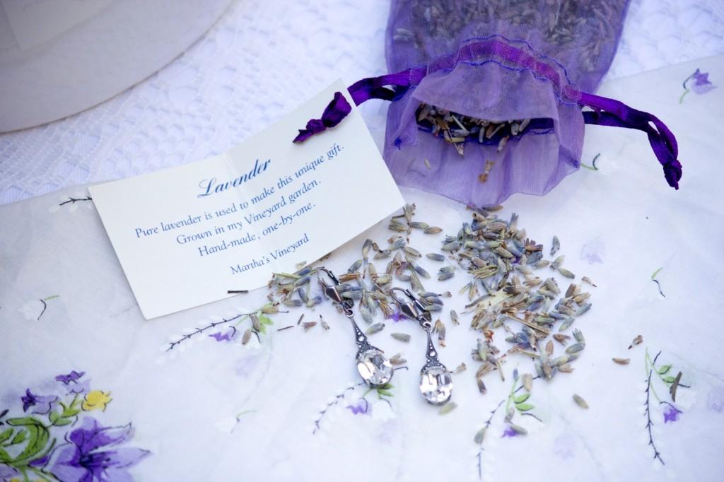 lavendar lace wedding inspiration details (9)