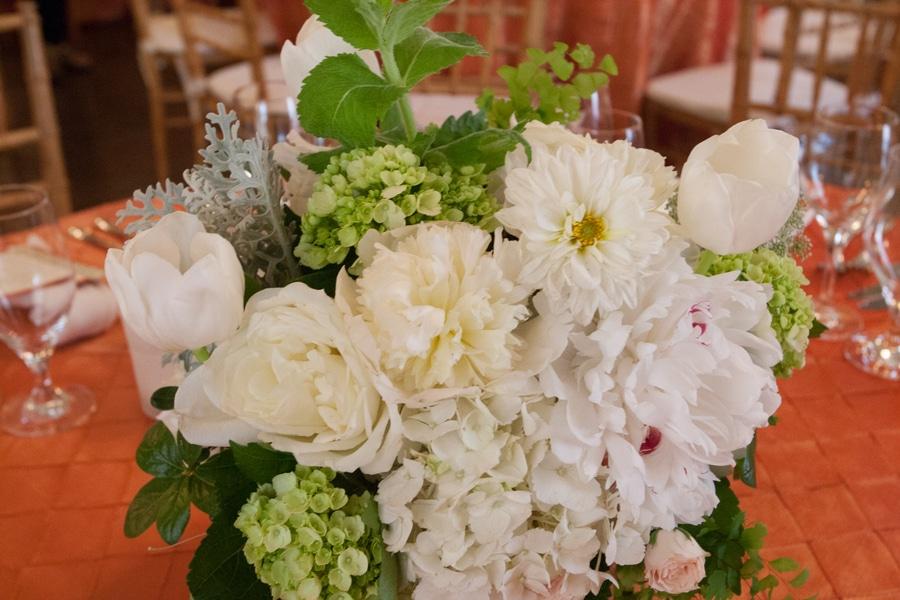 simple romantic springtime DC wedding Meridian House (7)