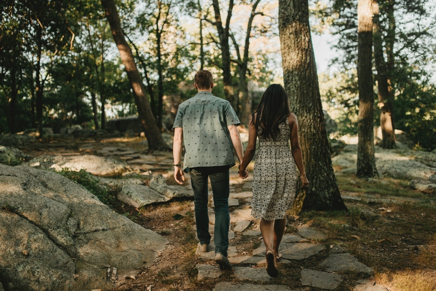 alternative maryland hiking sugarloaf mountain engagement pictures (4)