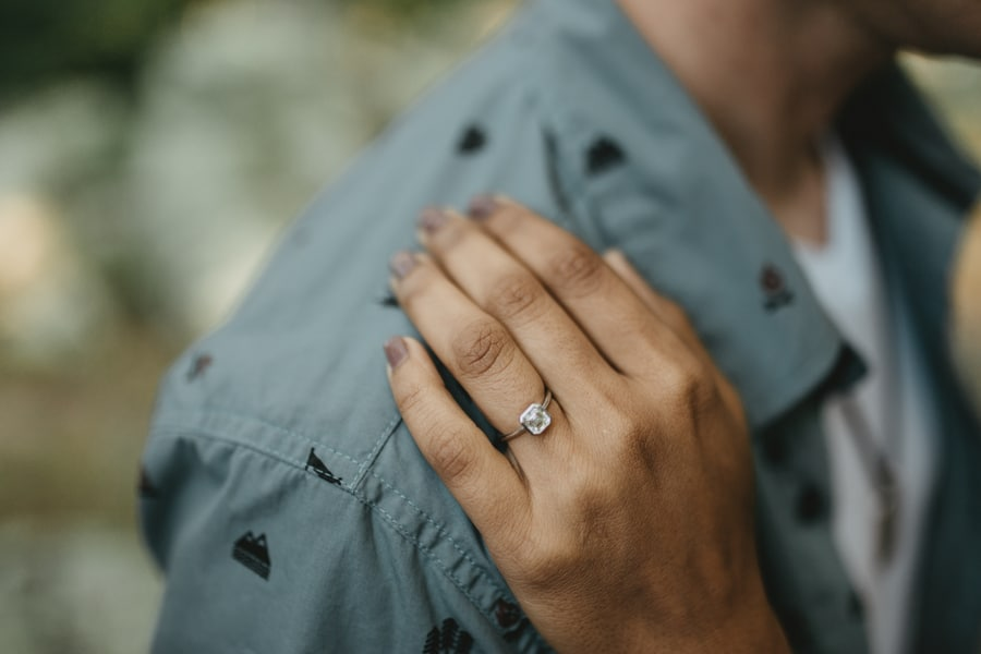 alternative maryland hiking sugarloaf mountain engagement pictures (6)