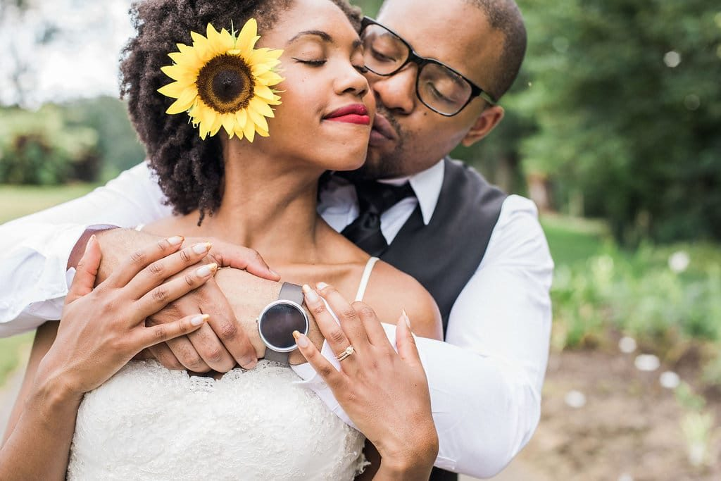 intimate wildflower summer meadowlark botanical gardens wedding pictures (9)