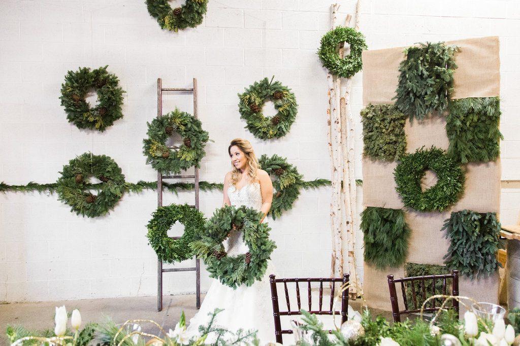 winter wreath wedding ideas (22)