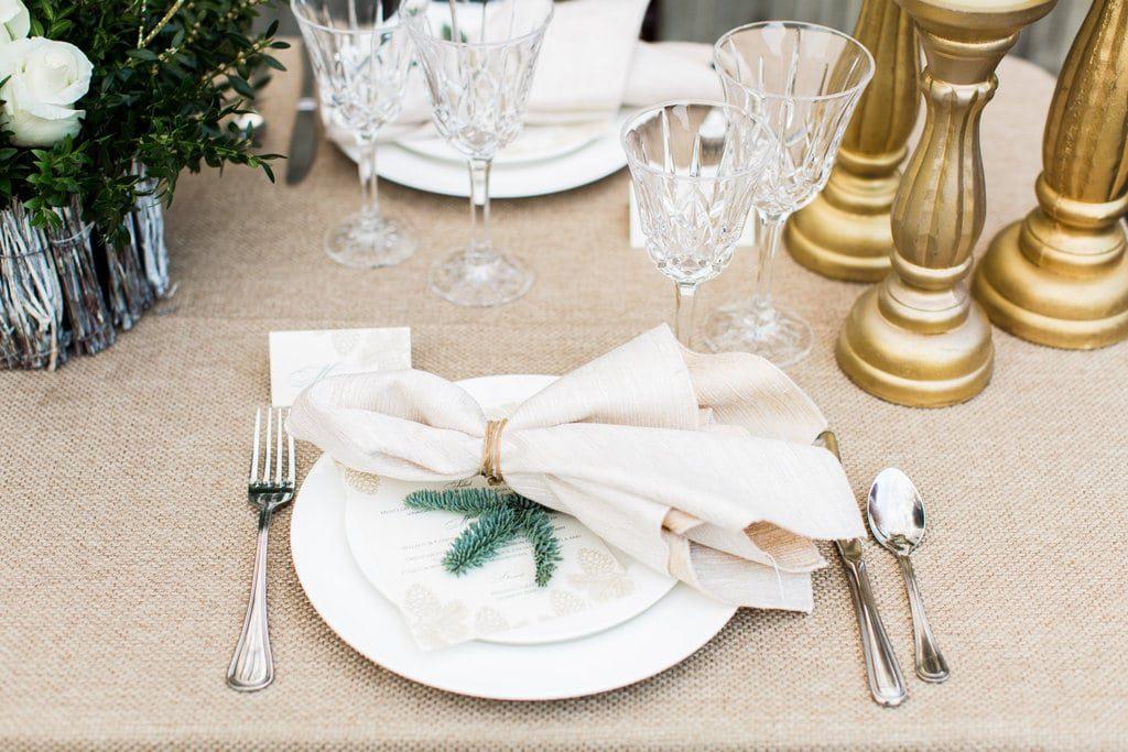 winter wreath wedding ideas (5)