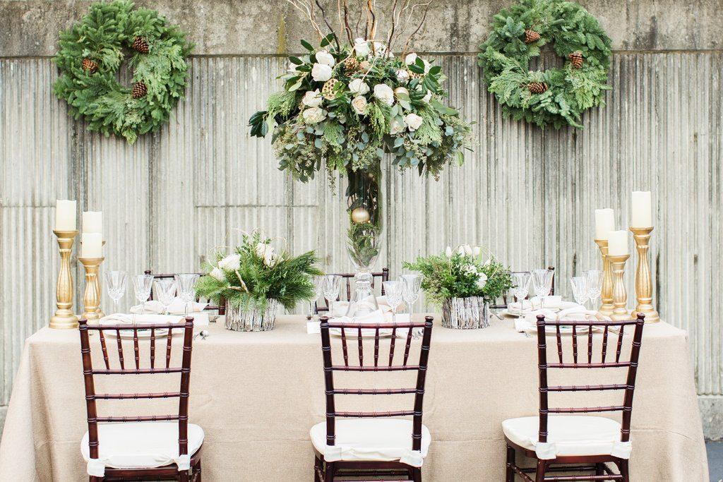 winter wreath wedding ideas (6)