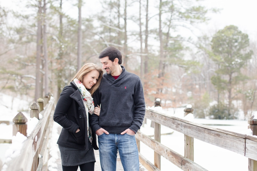snow winter engagement pictures virginia (9)