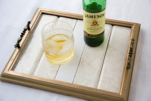 DIY wood frame serving tray tutorial (24)