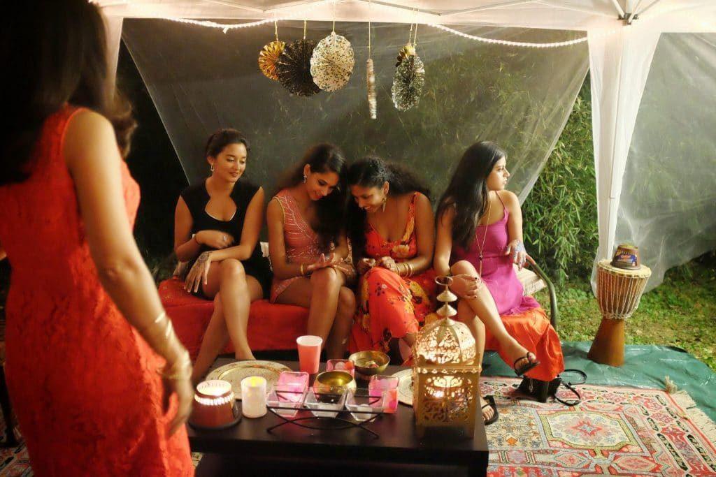 ba-mehndi-1-bridesmaids