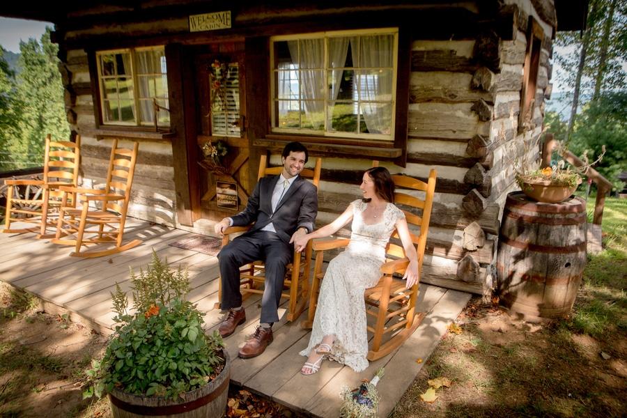 Emma Amp Joes Rustic Lydia Mountain Barn Wedding In Virginia